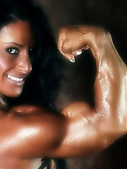 Debbie Bramwell has the ultimate muscular body